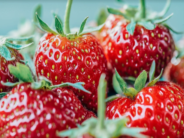 5 Healthy Foods For Glowing Skin!